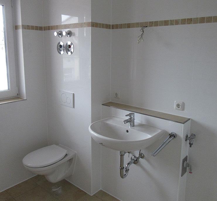 neubau von 2 wohnh usern mit je 8 wohnungen in weilheim lutz haustechnik gmbh. Black Bedroom Furniture Sets. Home Design Ideas